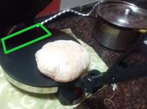 Where to place dough in roti maker